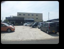 駐車場16台